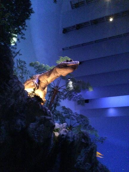 恐竜の鳴き声も迫力満点です!