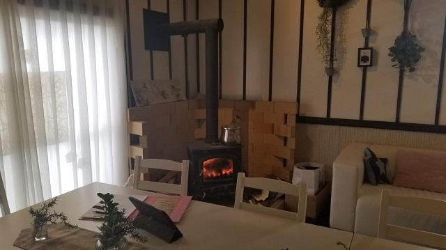 暖炉(薪ストーブというのかな・・・?)